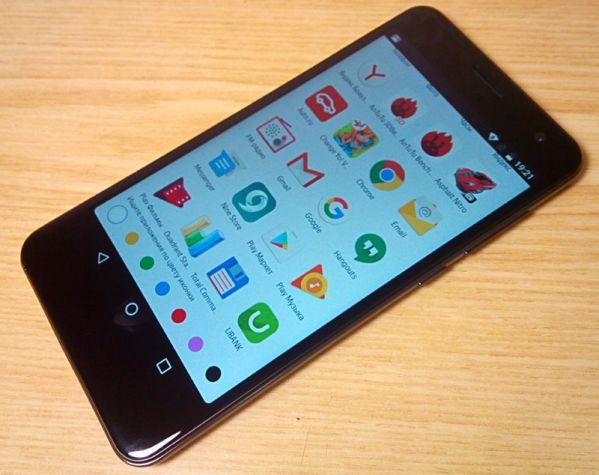 Сенсорный экран смартфона Fly Cirrus 8