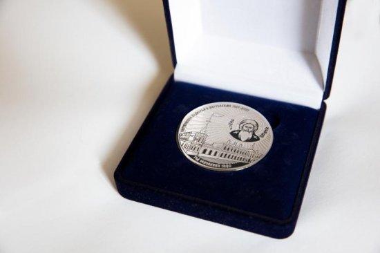 памятная медаль, выполненная по эскизу Игоря Ашурбейли