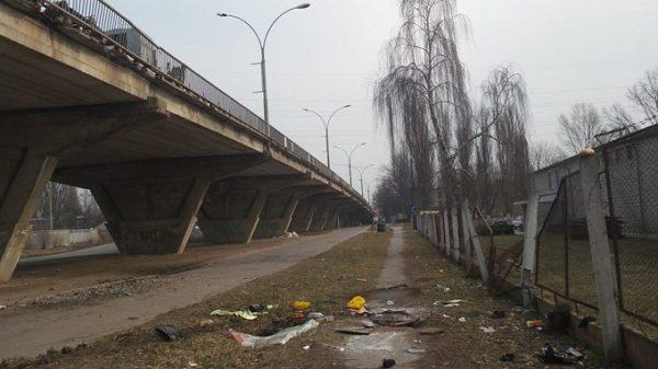 водитель слетел с моста